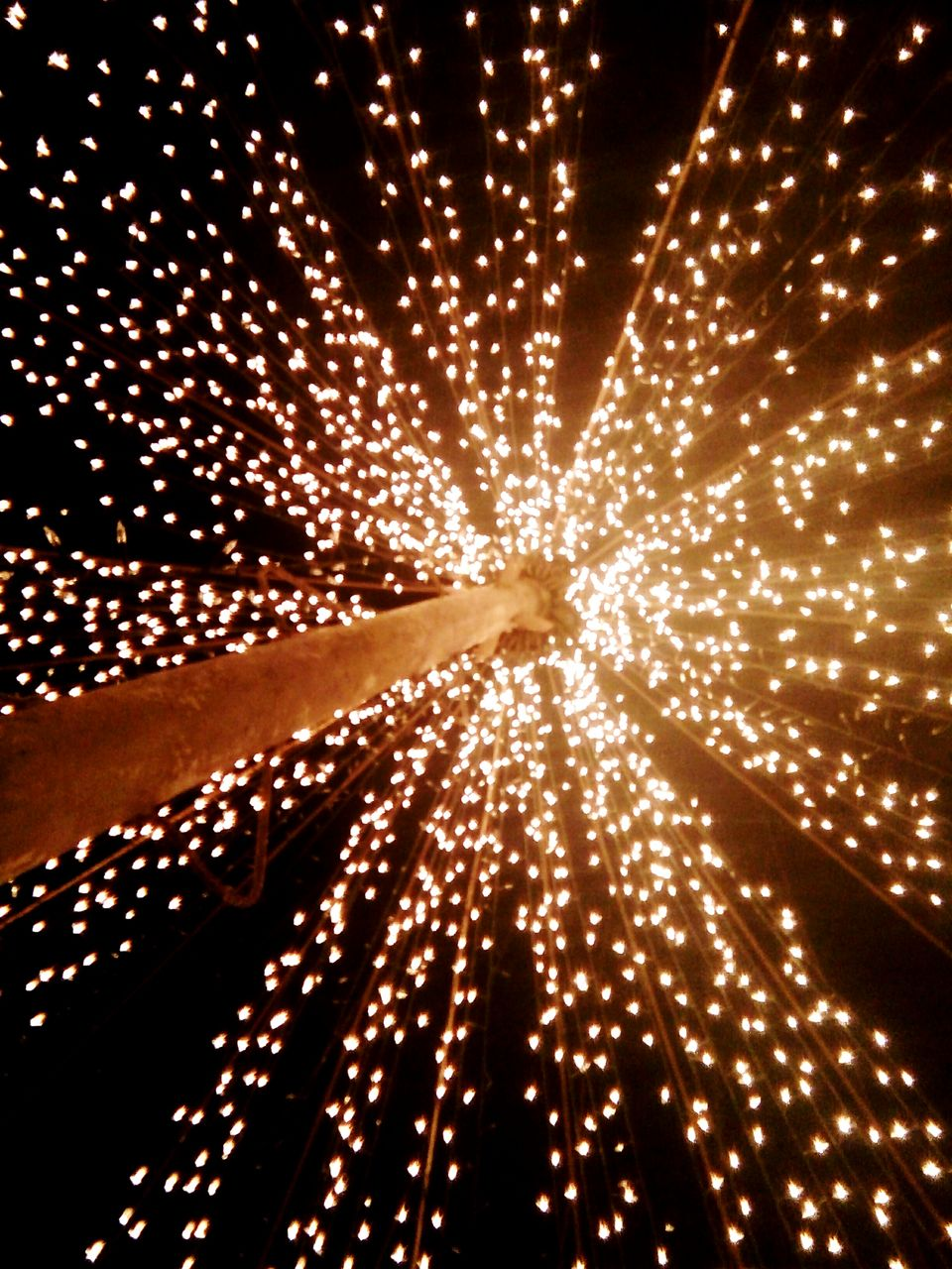 glowing, celebration, illuminated, exploding, pattern, firework - man made object, arts culture and entertainment, abstract, night, no people, firework display, gold colored, outdoors