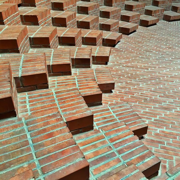 brick and cricle Arch Bric Red