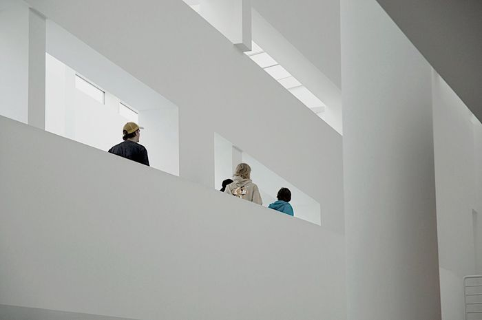 Exploring New Ground Architecture Macba  WhiteCollection Barcelona Studies Of Whiteness Learn & Shoot: Leading Lines My Favorite Photo Arc+ The Graphic City