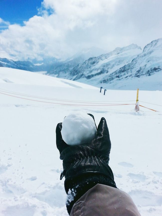 Fun memories 😊 Snowfight Snowball Swisstrip2013 Switzerland Jungfrau Topofeurope Travel Explore EyeEm Nature Lover Mountain The Great Outdoors - 2016 EyeEm Awards