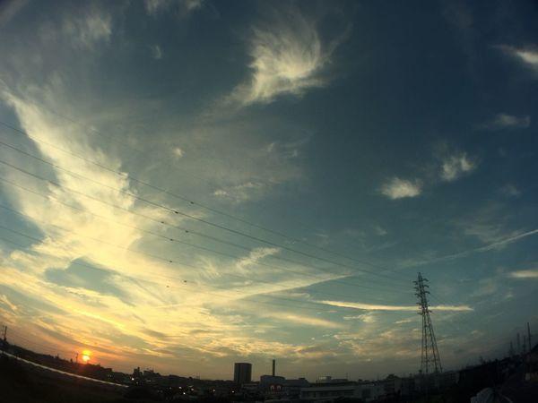 夕陽 夕焼け Sunset 鉄塔 Pylon 電線 Electric Wires 空 Sky 雲 Clouds