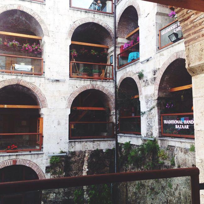 Hello World Architecture Bursa Balibeyhan