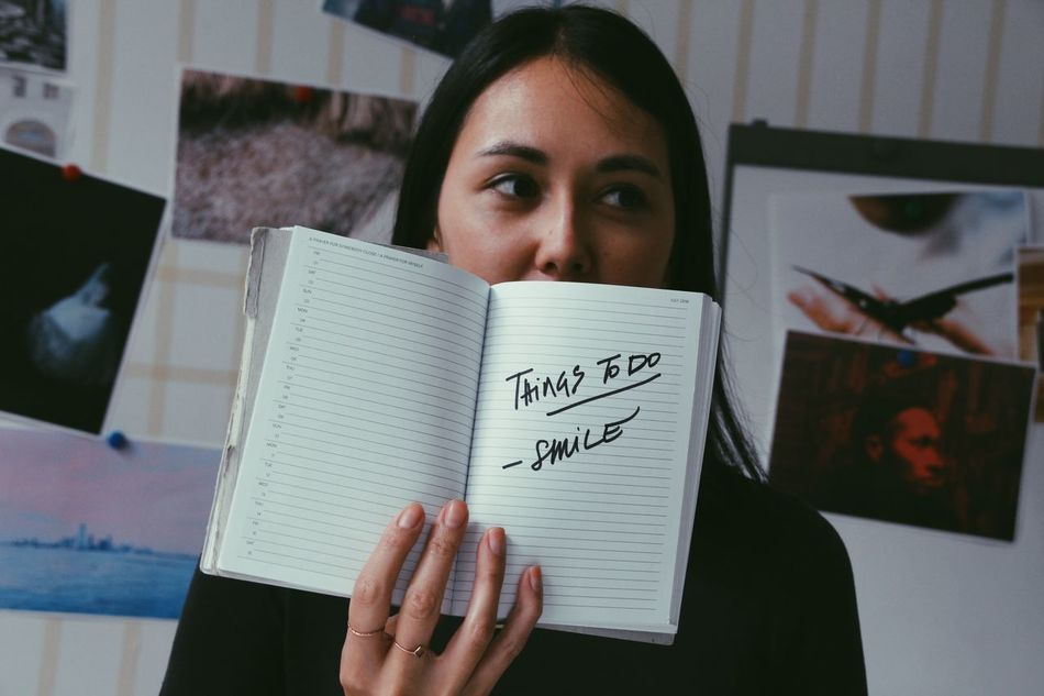 Beautiful stock photos of lächeln, reading, book, headshot, real people