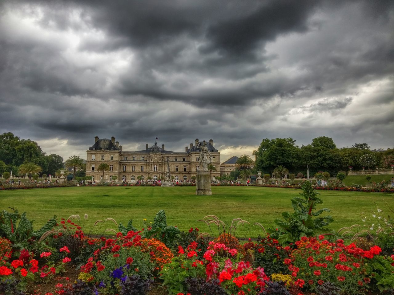 Flower Architecture Nature Outdoors Travel Destinations Built Structure Grass Tranquility No People Building Exterior Cloud - Sky Flowerbed Storm Cloud Cityscape Politics And Government Day Beauty In Nature Tree City Flower Head Paris ❤ Jardin Du Luxembourg