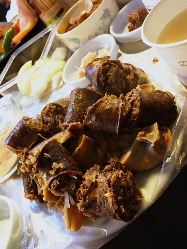 スンデは、地方や店によってレシピが異なっているらしく、すでにこの市場の屋台ごとに違うそうな。 スンデグッ にフォーカスすると、こんな感じ。 屋台 Stall Market Stall Food Stall Foodporn Market Korean Food Koreatown テジョン Korea 韓国 EyeEm Korea スンデクック