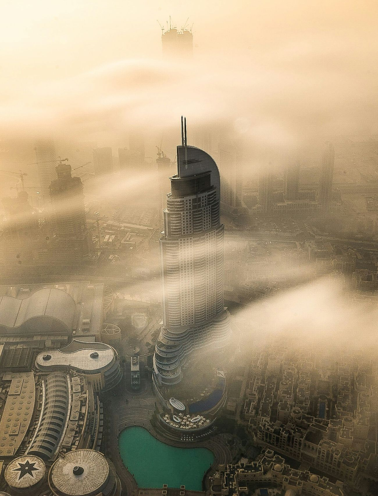 Dubai TheAddressDowntown EyeEm Best Shots Cityscapes Sunrise Above The Clouds Fog