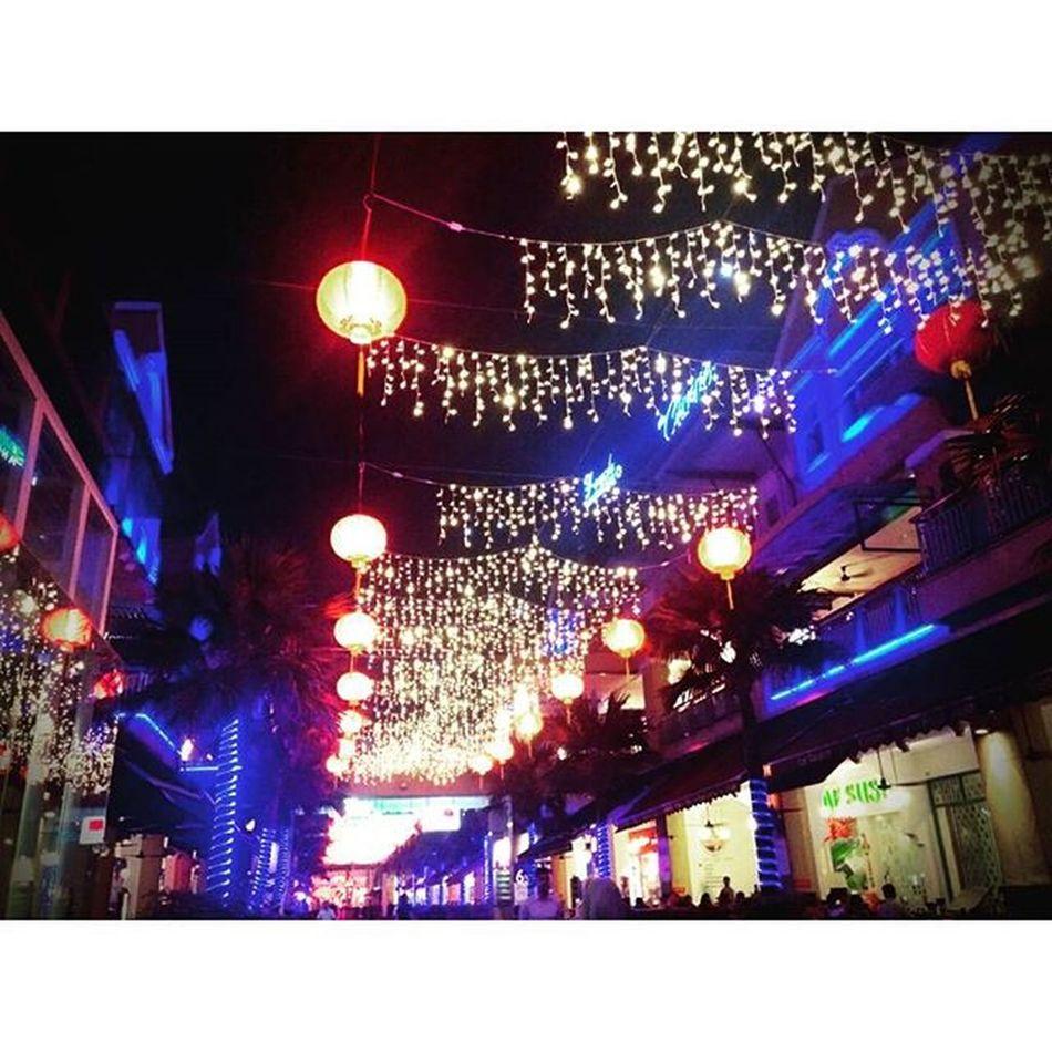CNY is Coming Thecurve Thecurvedamansara Outdoors Lights Chinesenewyear Nightphotography Damansara