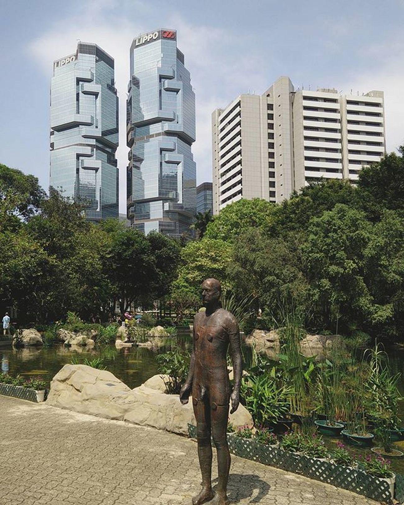 "💀🌝🌚 ""What on earth did I DRINK last night?"" ------ ------ ------ Statue Sculpture Eventhorizon AntonyGormley Buildings Greenery Hongkongpark Central Hkig Instameethk Oneplusone Art Photography Discoverhongkong EyeEm Urbanexploration"