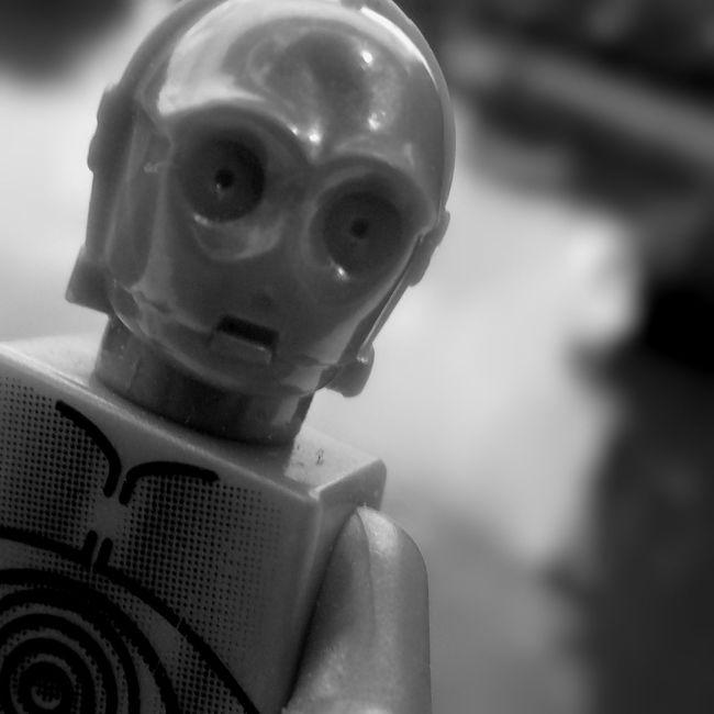 Curious C3po LEGO Starwars Toyphotography