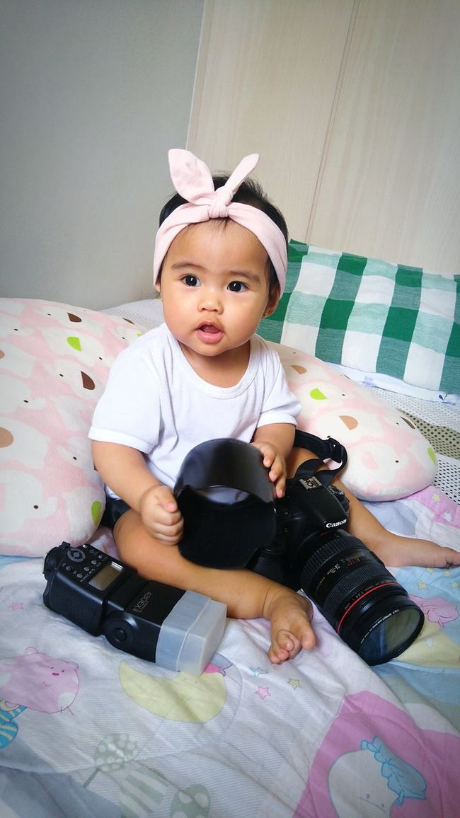 Family first! Gave up my deskjob for this little one. From Financial Analyst to Freelance photographer. Freelance Life Family Matters Family❤ Cute Innocence Canon60d Canonlenses Canonphotography Canonbabies Babyphotography Second Acts EyeEmNewHere See The Light Be. Ready.