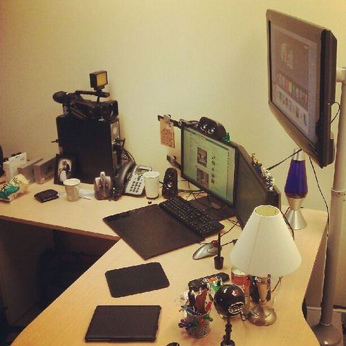 This is my messy desk! Mymessydesk