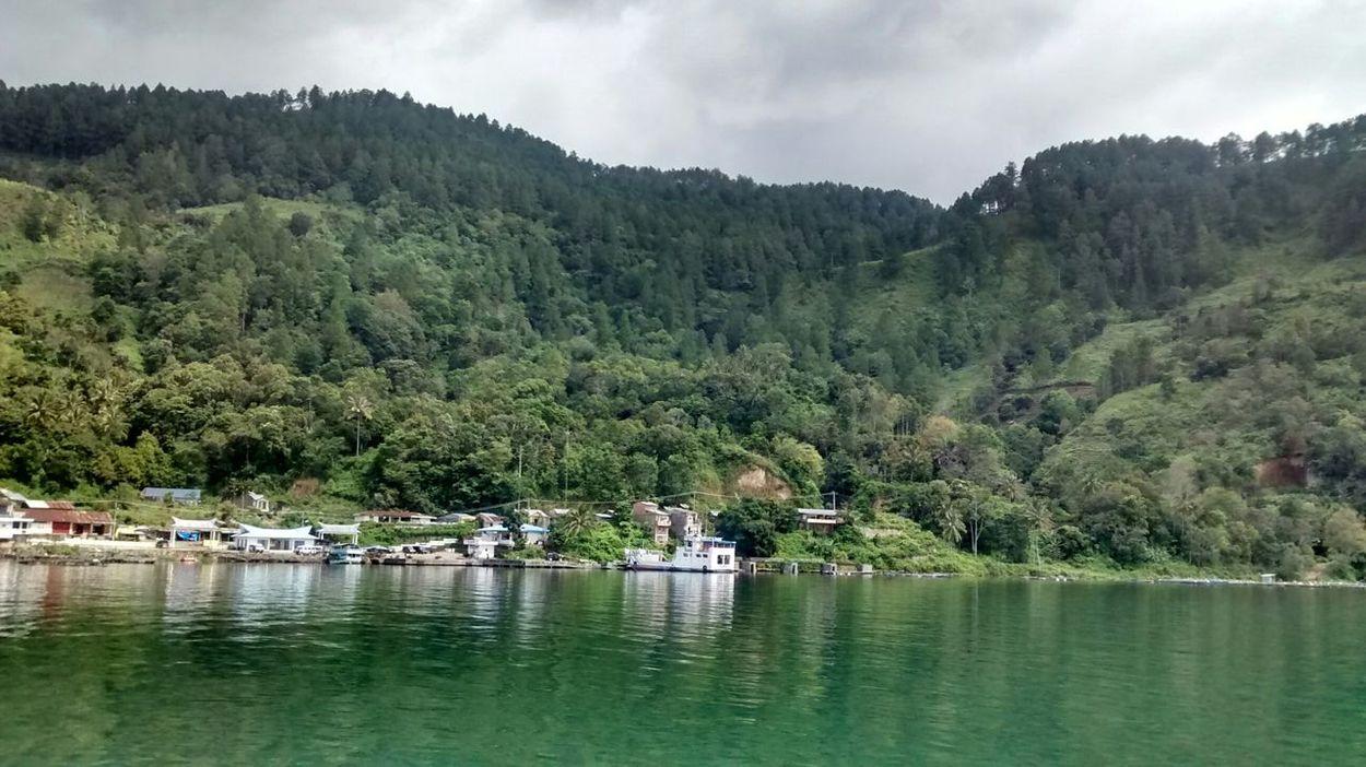 I love lake toba Jogging
