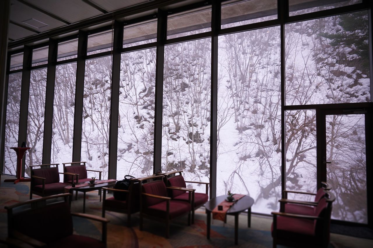2017 Architecture Cafe Cold Temperature Hanatouro Hot Spring Indoors  Interior Japan Lobby Nature Room Snow Table Tochigi Tree Window Winter 栃木 湯西川温泉 花と華 Yunishigawa