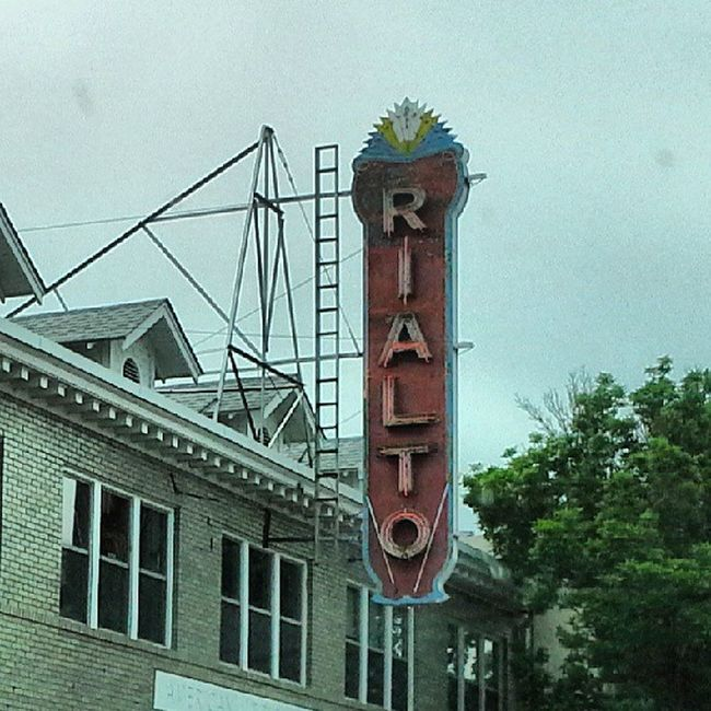 Neon Rialto Americana Instagramer Marquee Movietheater Oldsigns Insta_love Signgeeks Cinematreasures Signfixation Vintagesigns Signstalkers Vintageneon Justsigns Retrosign Instasign