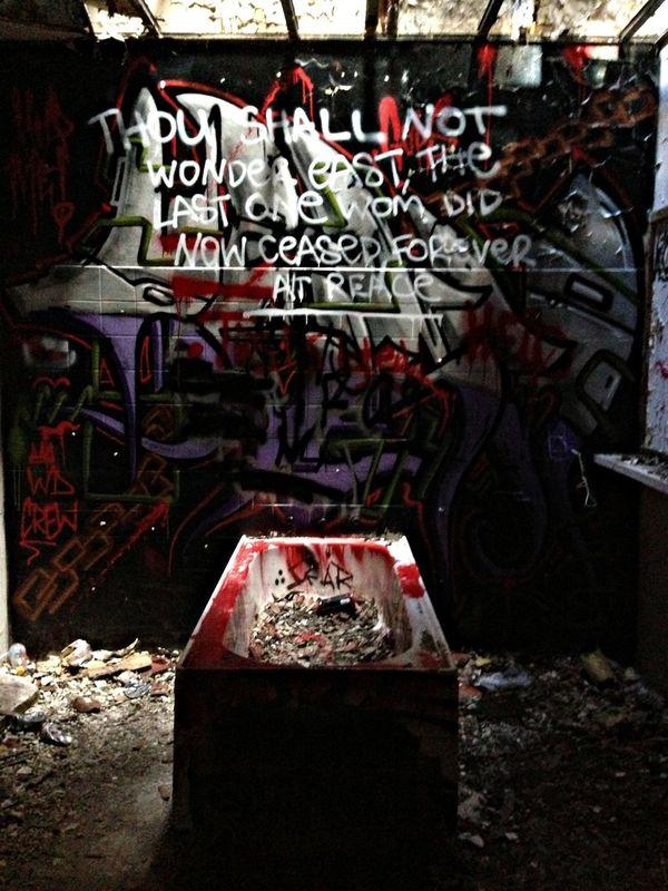 MentalAsylum Graffiti Beauty Of Decay