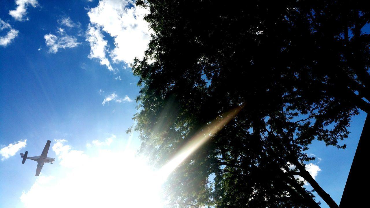 Airplanes Hanging Out Enjoying Life Relaxing DayAtThePool Sun Taking Photos Be Blue Wave