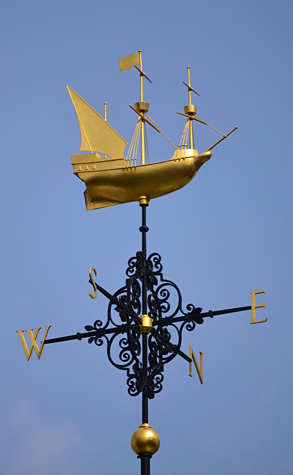 Weathervane with a golden ship in London Directional EyeEm Best Shots Golden Low Angle View Ornate Outdoors Pjpink Ship Vane Weathervane