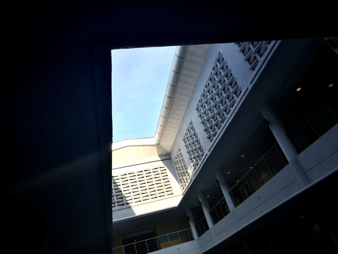 Architecture Built Structure Sky Low Angle View Utar Kampar Huawei Fans Huawei Honor8 EyeEm Best Shots Kampar Honor8 Silhouette The Architect - 2017 EyeEm Awards