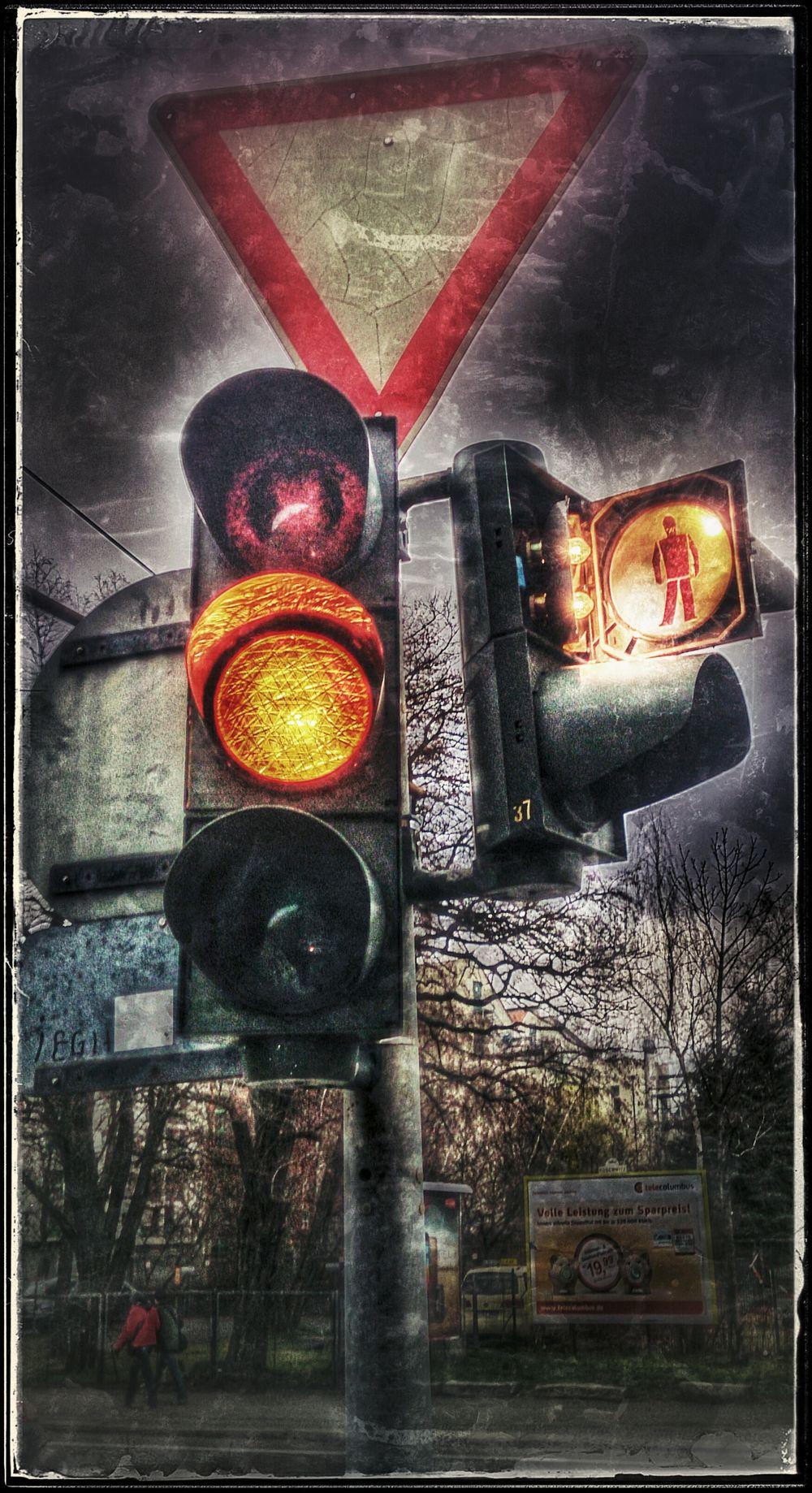 wenn das Ampelmännchen ausgang hat Trafficlight My Fuckin Berlin