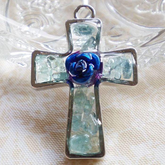 祈り Pray 薔薇 Rosé 愛 Love グロス 十字架 ロサリオ Cross Rosary オルゴナイト Orgonite ポジティブ Positive アパタイト Apatite ちっさいけど、オルゴナイト Even it's small, it's orgonite.