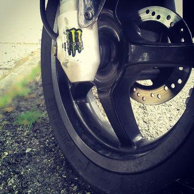 Yamaha Aerox Monster Sfondo Sfocato