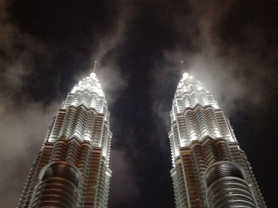 Kuala Lumpur 💚 Architecture Building Exterior Built Structure City Cloud - Sky Exceptional Photography Kuala Lumpur Low Angle View Malaysia Modern No People Original Photography Perfect Moment Petronas Twin Towers Sky Skyscraper Twin Towers Malaysia No Edit/no Filter Perfect Shot Fog_collection Exceptional  Breathtaking View Breathtaking KLCC Tower Kl EyeEmNewHere