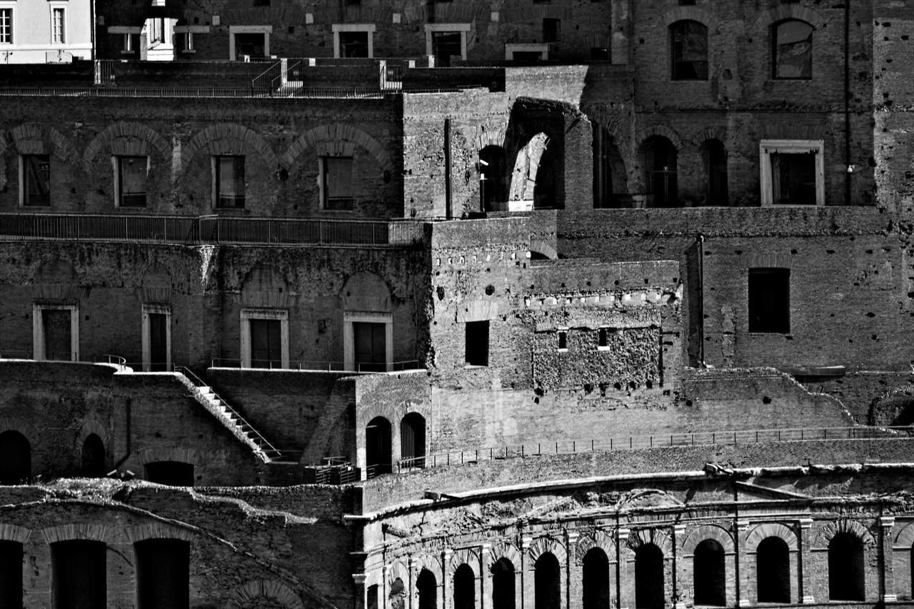 architecture, built structure, building exterior, history, window, old ruin, outdoors, day, no people