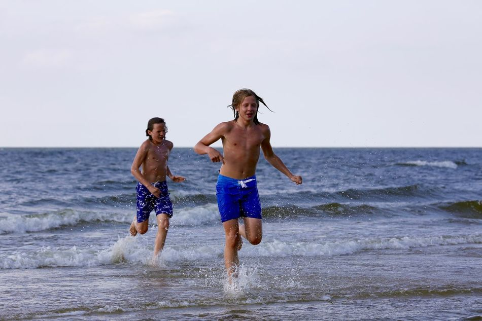 Beautiful stock photos of friends, 12-13 Years, 14-15 Years, Beach, Beauty In Nature