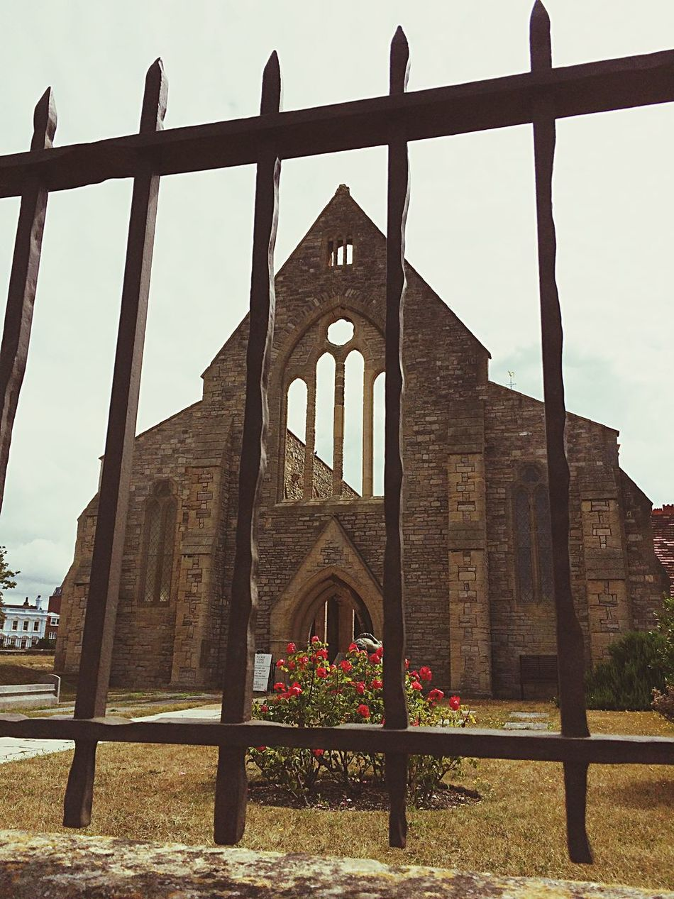 Church Railings Religion Old Buildings Iphone5s IPhoneography Southsea Historical Building The Architect - 2016 EyeEm Awards Iphoneonly IPhone Iphonephotography IPhone Photography Architecture Architecture_collection Religious Architecture Religious