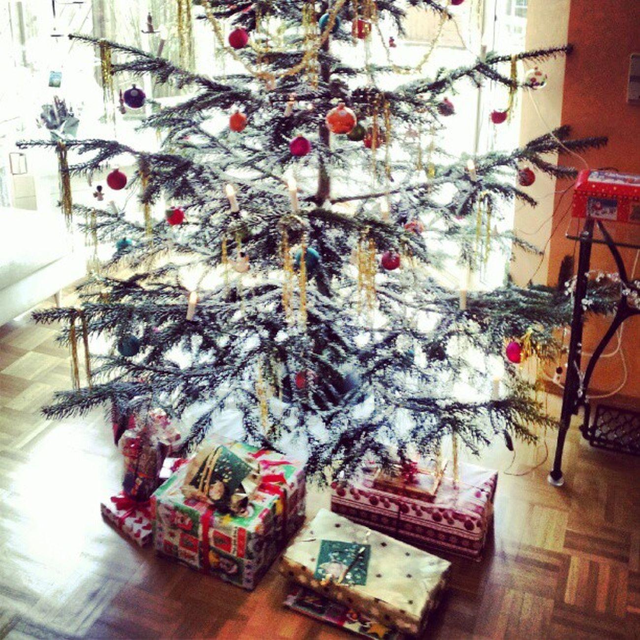 #chrismas #tree #gifts #deco #igers #igfamos #instgramm #instagood Tree Déco Chrismas Gifts Igers Instagood Igfamos Instgramm