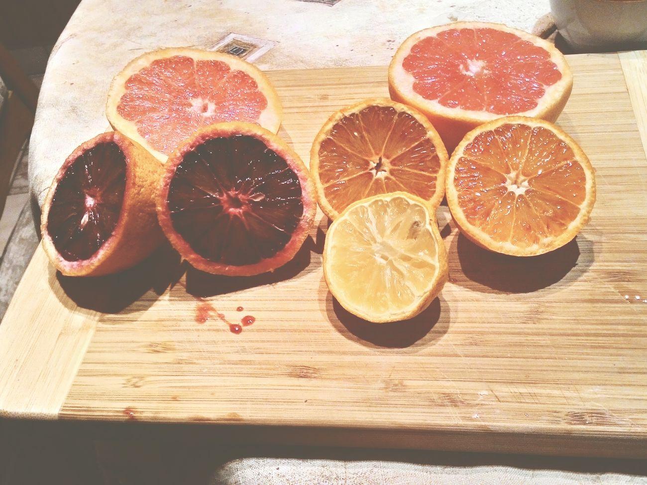 Sok cytrusowy z rana. Na kaca ideolo. CitrusFruitdrinks Orangejuice Bloodyorange Yummy♡ Foodporn Hangover Tgis Today(: Enjoy Kac