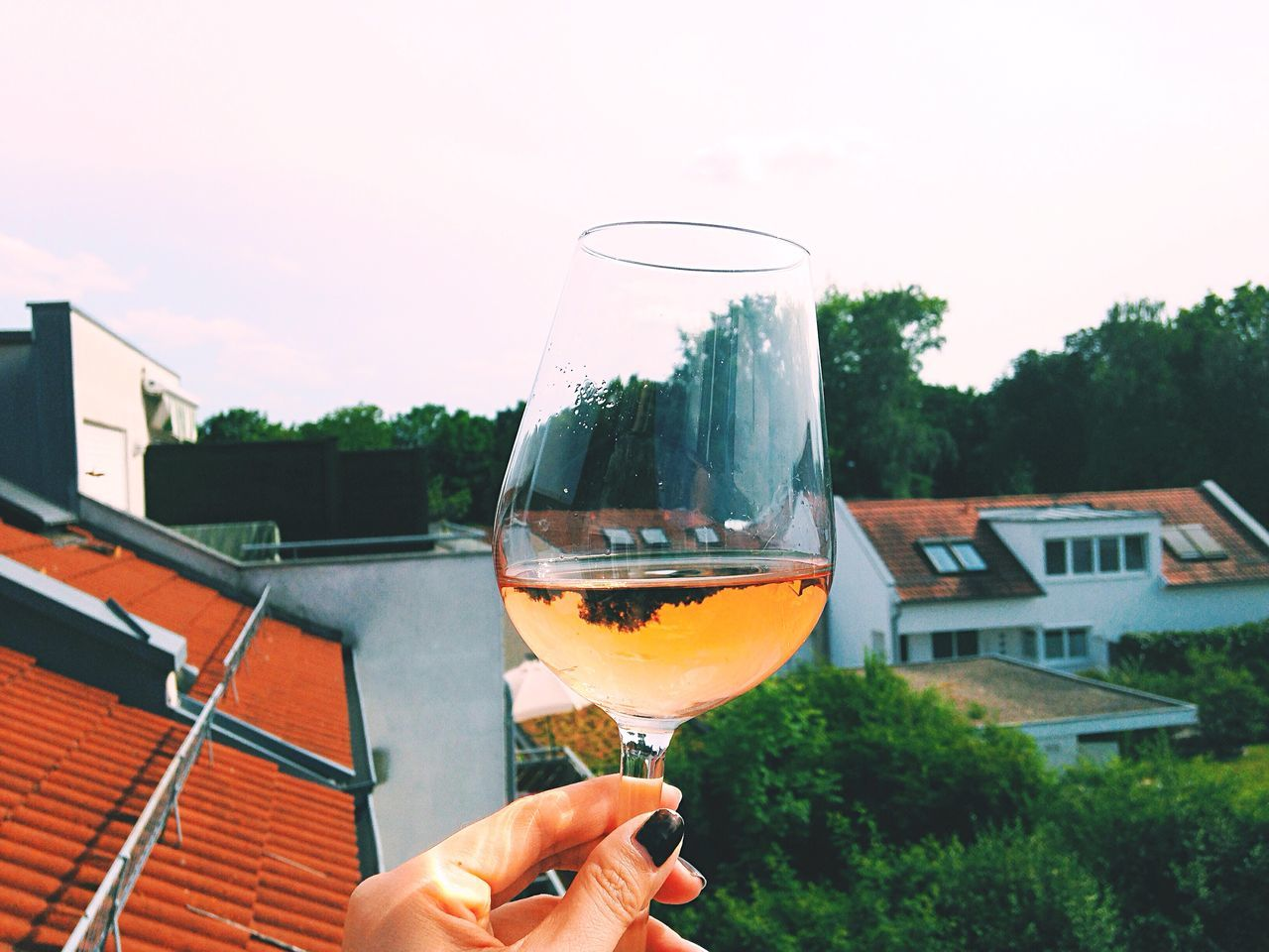 Roof A Taste Of Life Wine Summer Enjoying Life Friends Pink Urban Lifestyle Deceptively Simple Capture The Moment 43 Golden Moments Wine Moments
