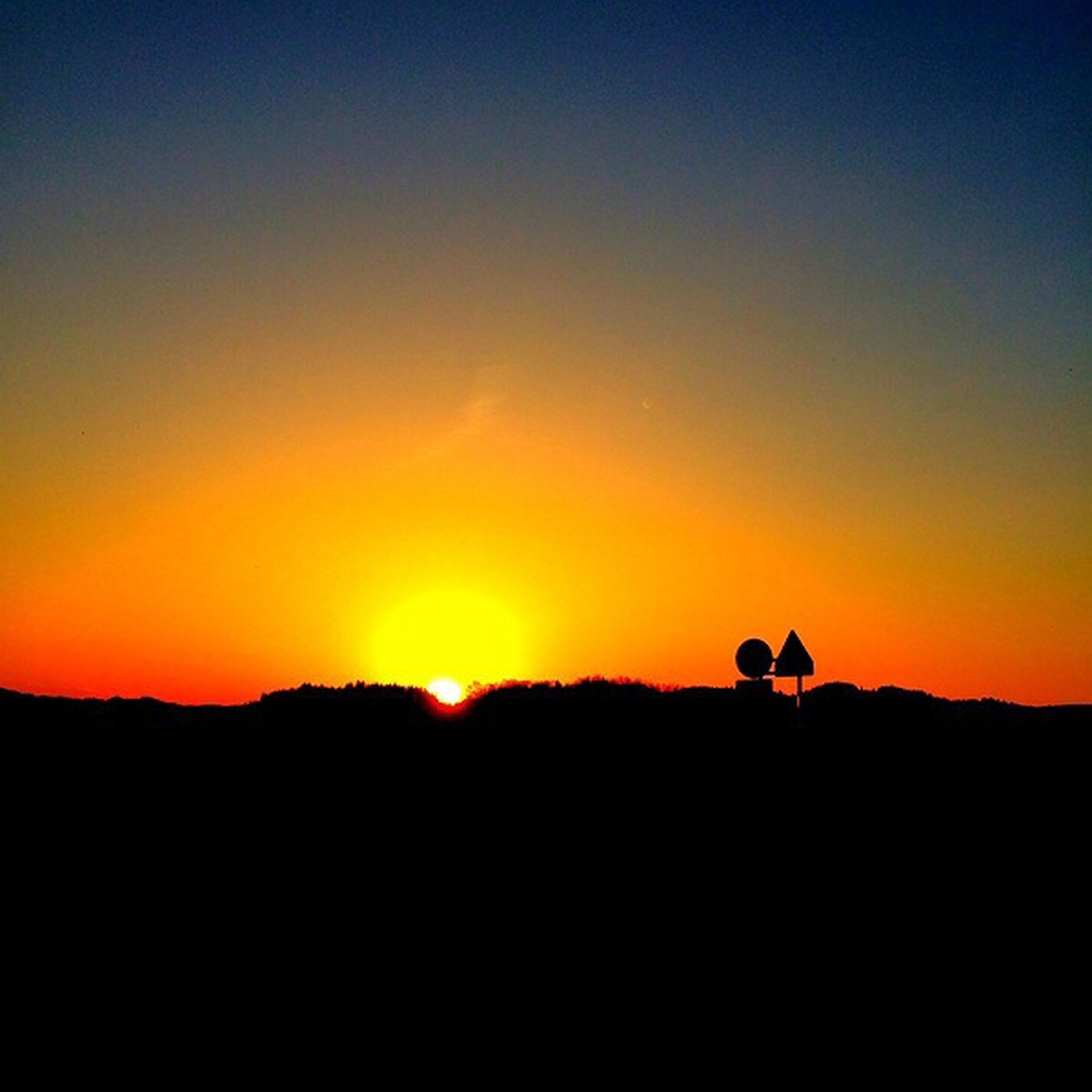 sunset, silhouette, orange color, copy space, scenics, tranquil scene, beauty in nature, tranquility, landscape, nature, idyllic, clear sky, sky, mountain, sun, dark, outline, outdoors, horizon over land, non-urban scene