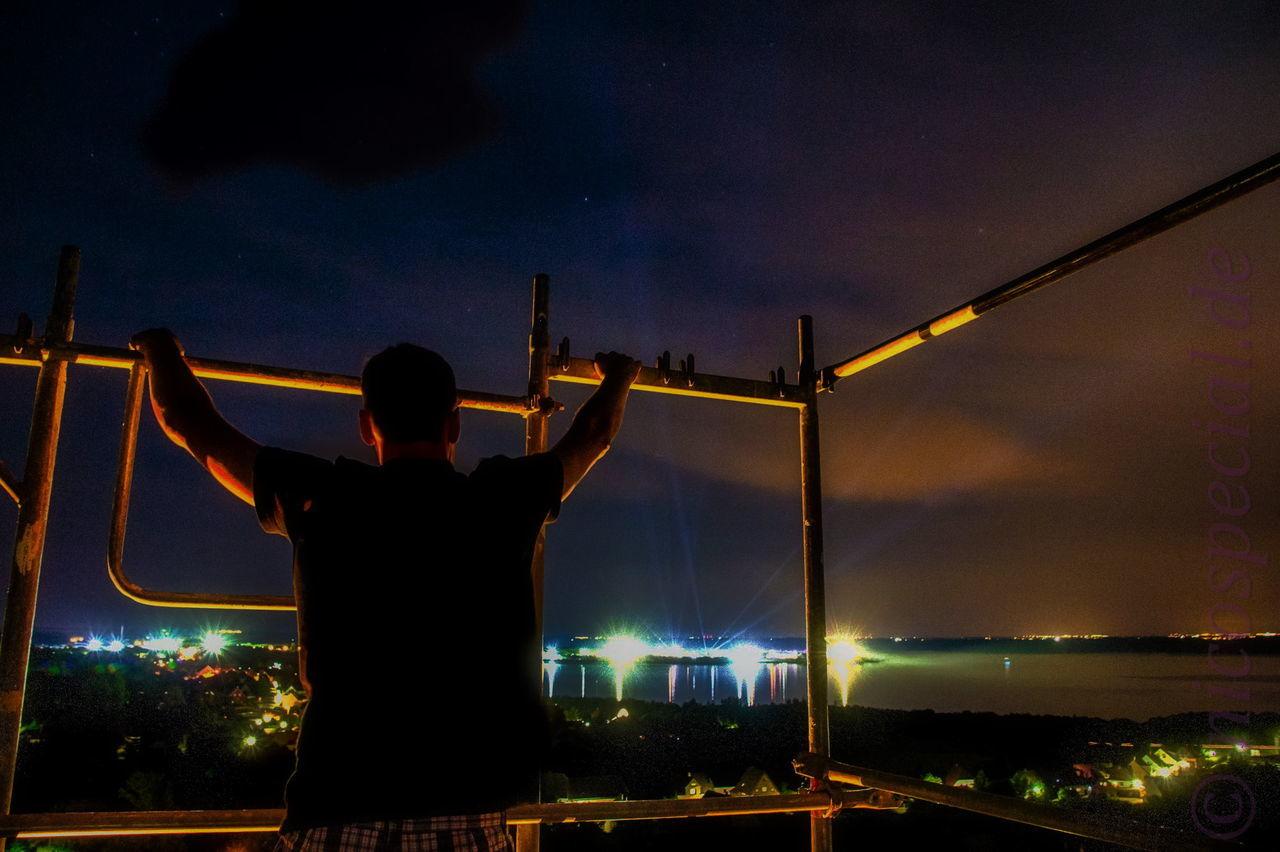 Poucher halbinsel bei Nacht als dort das Sputnik Spring break Festival stattfindet. Ist eine Nacht HDR aufnahme. Eyem Best Shots Hdr Edit Light And Shadow Welcome To Black