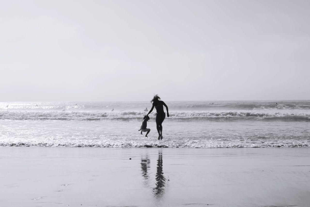 The Human Condition Venice Beach Blackandwhite Fortheloveofblackandwhite Beachphotography The Street Photographer - 2015 EyeEm Awards Family Time Life Is A Beach The Traveler - 2015 EyeEm Awards The Moment - 2015 EyeEm Awards
