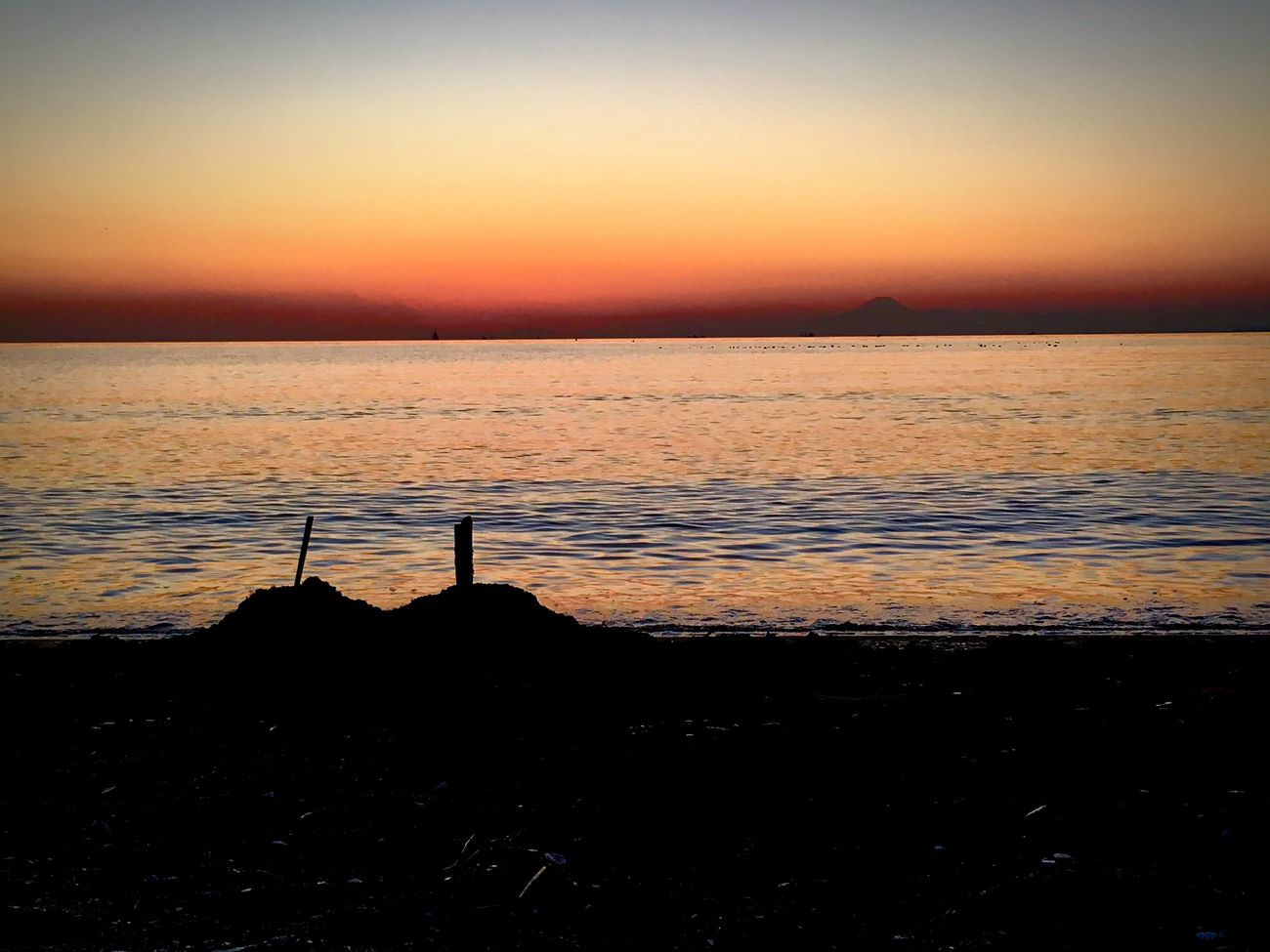Mount Fuji Views In The Distance Sunset Sea Water Silhouette Tranquility Scenics Sand Castle Outdoors Beach Mount FuJi Tokyo Bay (null)Tokyo Ocean View Chiba Japan Horizon Over Water Nature Clear Sky