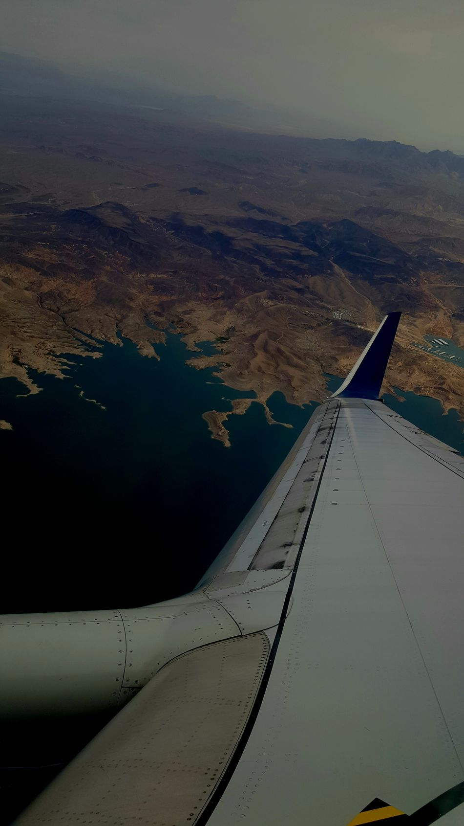 Traveling AirPlane ✈ Water Mountains Airplane Wing Airplane View Delta Airlines Traveling Photography Scenery💋 Water_collection Lake View Lakescape Mountain View Mountainscape Mountains And Valleys ValleyStream Valleys Blue Water Flying High