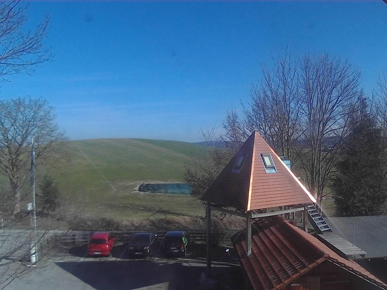 Autos Feld Himmel Himmel Und Wolken Landschaft Pyramid Pyramide Wiese  First Eyeem Photo