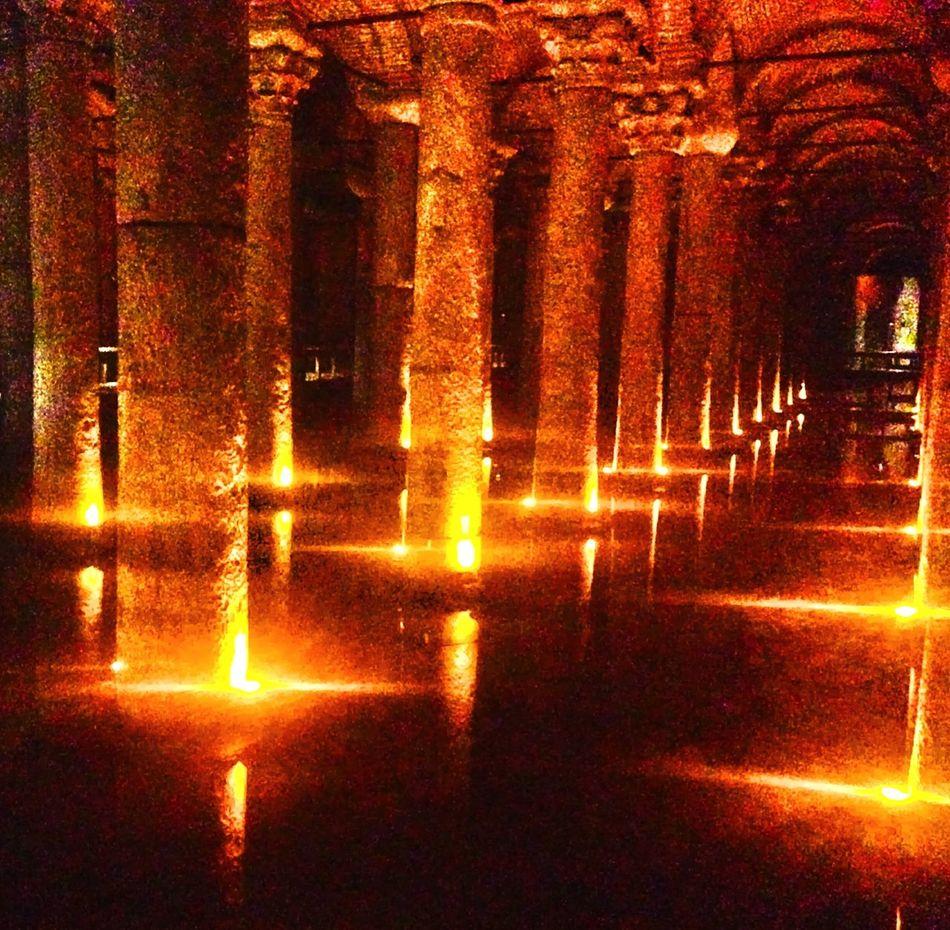 Istanbul YerebatanSarnici EyeEm Best Shots Yerebatan Sarnıcı Basilika Cistern Basilikacistern Istanbuldayasam Istanbul City Alemdar Gemisi Cisterna Basilica Symmetryporn Yerebatan Yerebatansarayi Yerebatansarnıcı Yerebatansarnıcı Istanbul Turkey Yerebatancistern Magic Light In The Darkness