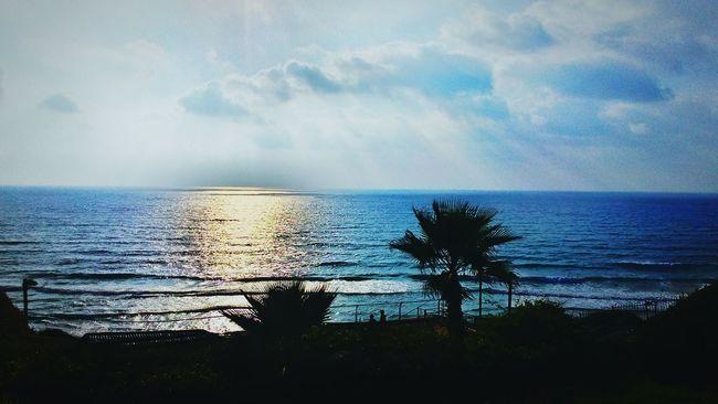 חוף נתניה Hanging Out Relaxing
