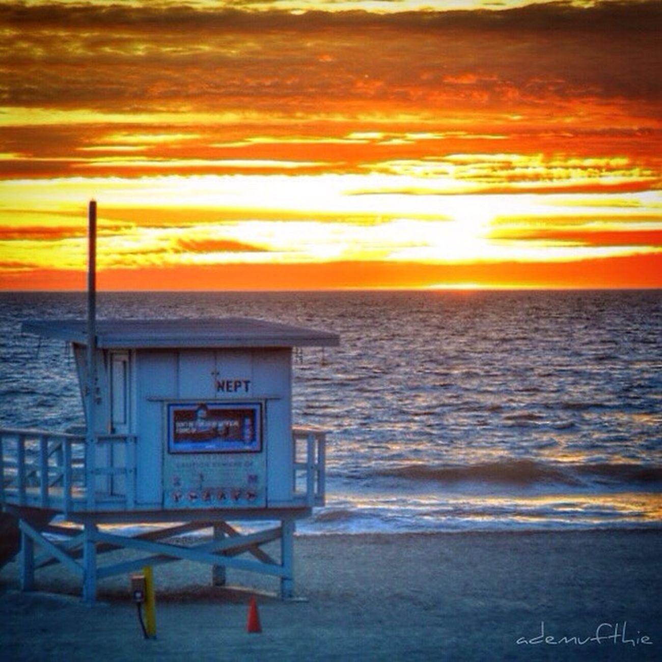 Manhattan Beach, CA EyeEmBestPics Life Is A Beach Skyporn Sunset #sun #clouds #skylovers #sky #nature #beautifulinnature #naturalbeauty #photography #landscape Beautiful Nikon Beach Traveling Losangeles