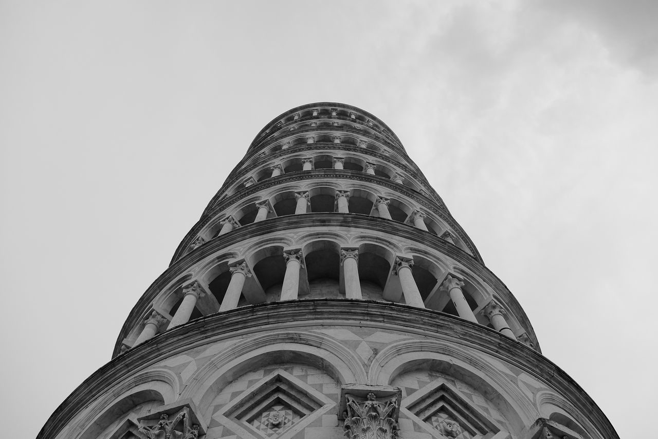 Pisa Pisatower Low Angle View Travel Destinations Travel Architecture Looking Up Building Exterior History City Sky Tourism Modern Cloud - Sky No People Dome Outdoors Night
