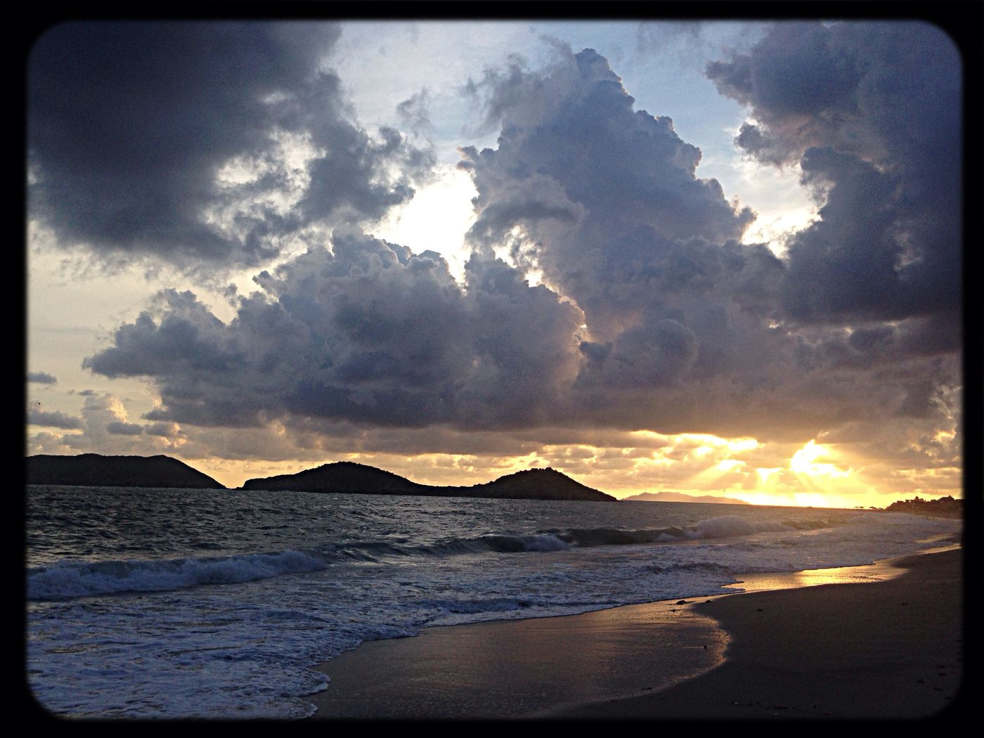 Paisaje Playa Atardecer Hermoso ☁️?