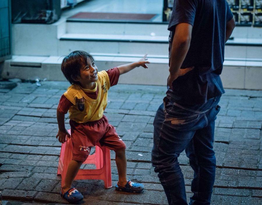 The Street Photographer - 2016 EyeEm Awards om itu om Streetphotography People Kids INDONESIA