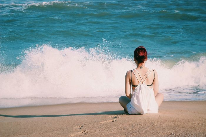 I don't expect the best of everything, but I expect what I deserve.... ! Setmefree Blueocean Waves Crashing Deepbreath Beachphotography That's Me! On The Beach Eyeem Beach Shots Eyedaily Tattoo Redhairdon'tcare