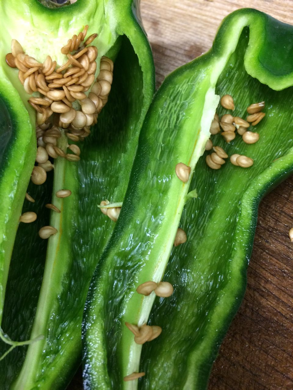 green color, vegetable, food and drink, food, freshness, healthy eating, green chili pepper, no people, raw food, indoors, close-up, day