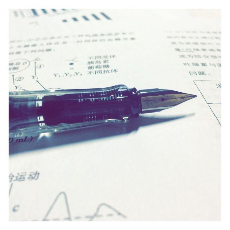 笔耕不辍。