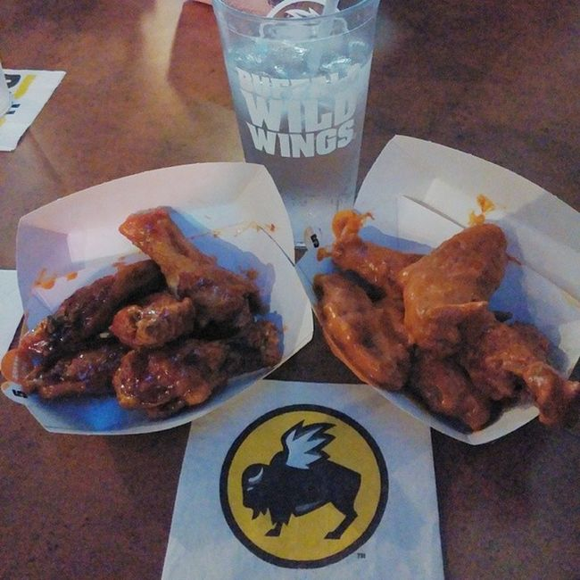 After almost a year, we finally hung out. #bdubs #buffalowildwings #asianzing #spicygarlic #thanksGOAT #happybirthday HappyBirthday Bdubs BuffaloWildWings Spicygarlic Asianzing Thanksgoat