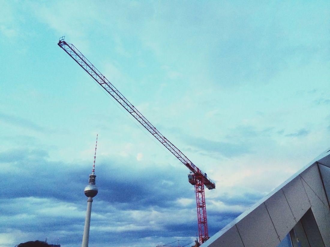 Berlin Fernsehturm Schönes Berlin Clouds And Sky