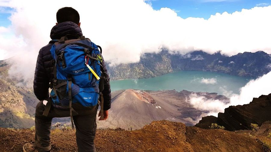 It was amazing view begin of Ramadhan. Contact and join us for this adventure Adventure Mountain Backpack Hiking People Travel Adult One Person Discovery Adults Only Cloud - Sky Vacations Blue Mountain Range Rinjani National Park Trekking Segaraanaklake One Man Only Nature Fog Only Men Outdoors Men